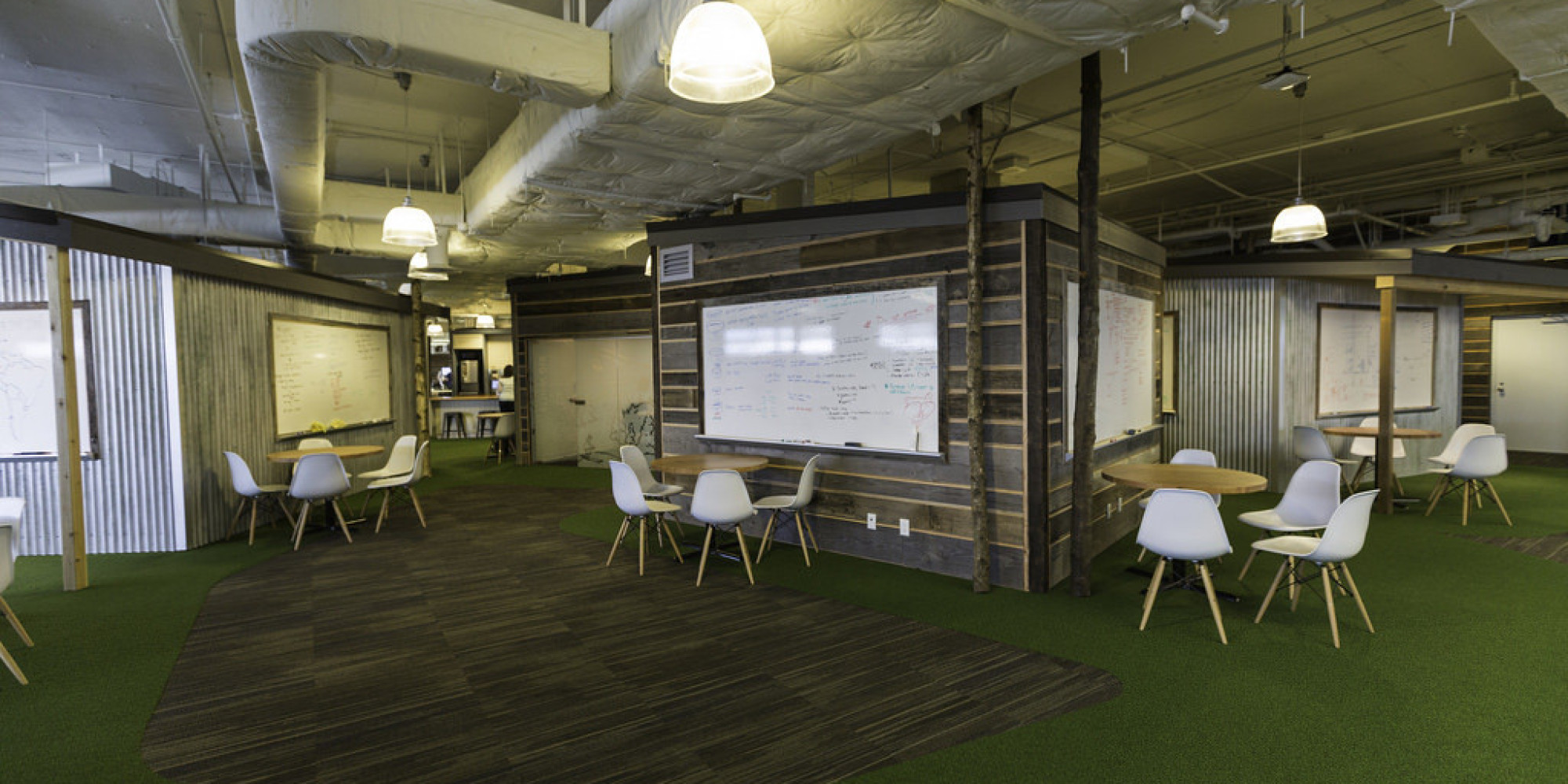 Hootsuite 39 s 2nd vancouver office is just as cool as its for Office design vancouver