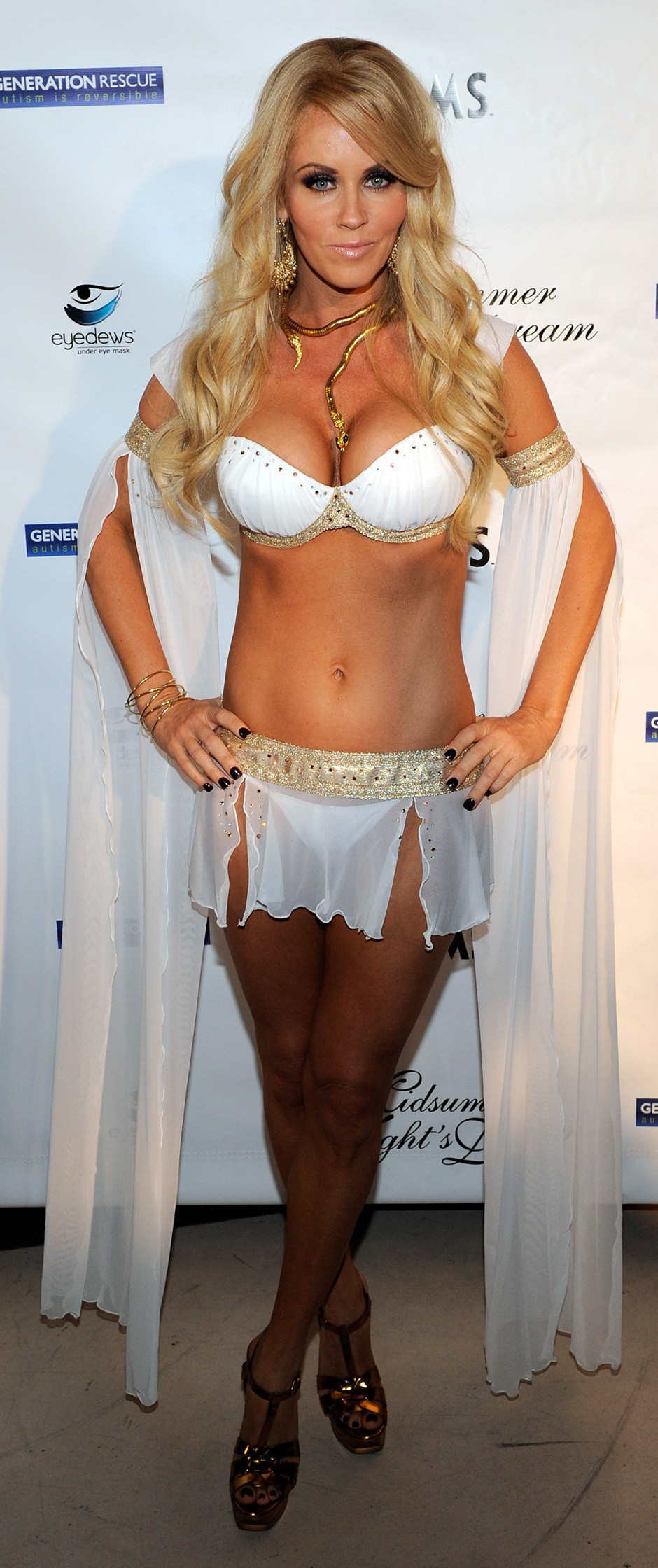 Jenny McCarthy Hosts Vegas Bash In Genie Outfit (PHOTOS)