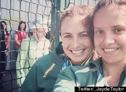 The Queen Photobombs Australian Athletes' Selfie (PICTURE)