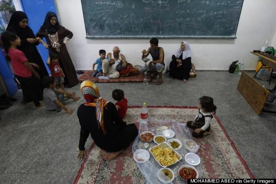 palestinian family break fast