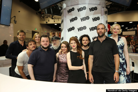 o GAME OF THRONES COMICCON 570 Game Of Thrones Cast Continues To Prove Their Love For Each Other