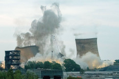 Didcot power station towers are demolished | Pic: PA