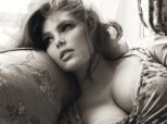 We Have A Massive Crush On The Pirelli Calendar's First Plus Size Model