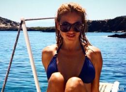Paulina Rubio luce cuerpazo en diminuto bikini