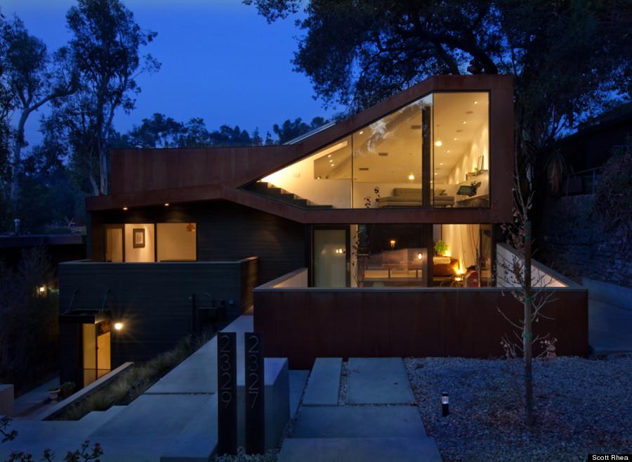 manifold house