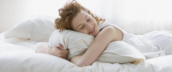 quand changer d 39 oreiller la d go tante v rit sur leur dur e de vie. Black Bedroom Furniture Sets. Home Design Ideas