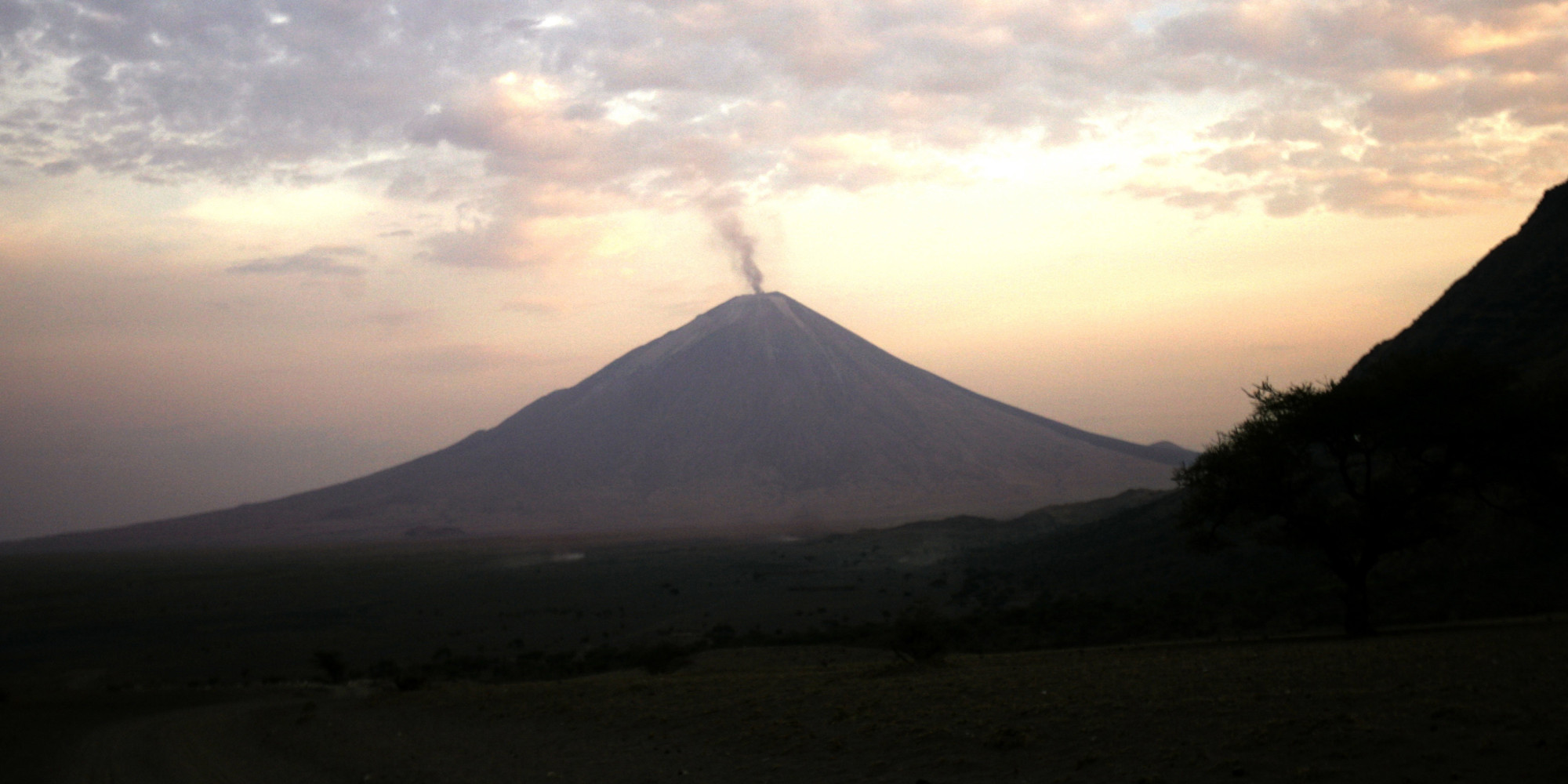 Study Finds Giant Superplume Slowly Splitting Africa In