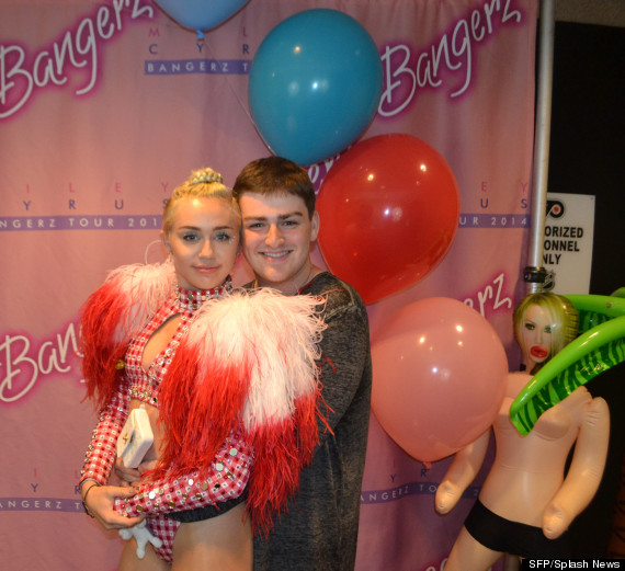 miley cyrus meet and greet bangerz full