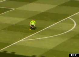 From One End To The Other: Hibs 'Keeper SCORES Winner (Video)