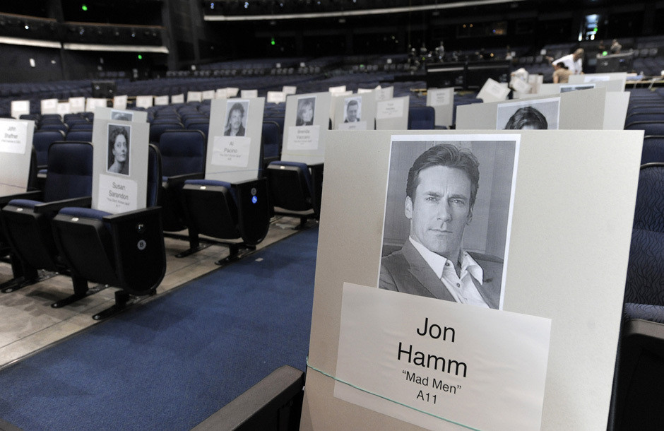 Third Row Seating >> Emmy Seating Charts! Inside The Award Show Pecking Order (PHOTOS) | HuffPost