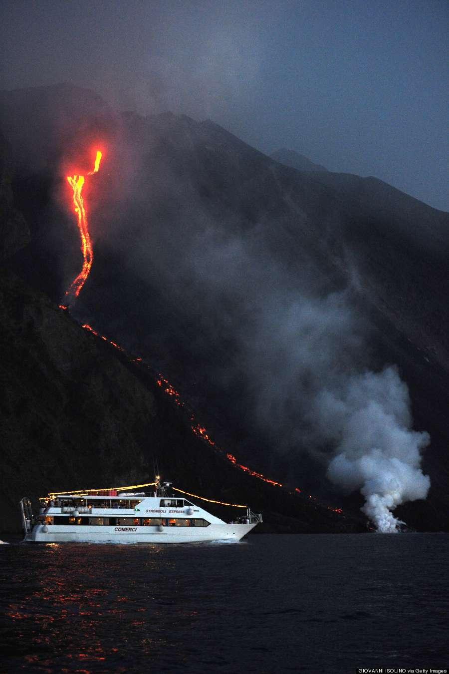 stromboli volcano tourist