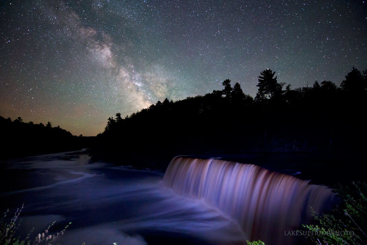 These jaw dropping photos of the great lakes night sky seem too lake superior photo thecheapjerseys Image collections