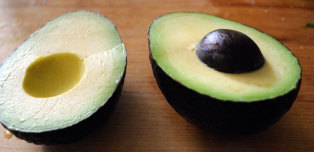 We Tried 3 Methods To Keep Avocados From Browning