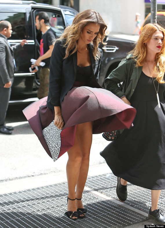 Jessica Alba Turns A Wardrobe Malfunction Into A Marilyn