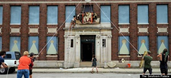 This Is What Happens When Artists Take Over An Abandoned Building In Detroit