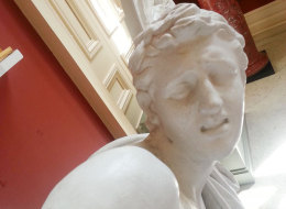 Yup, Even Statues Are Taking The Selfies