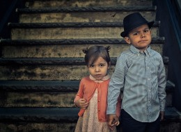 Photographer Sends His Kids Back In Time With These Adorable Vintage Photos
