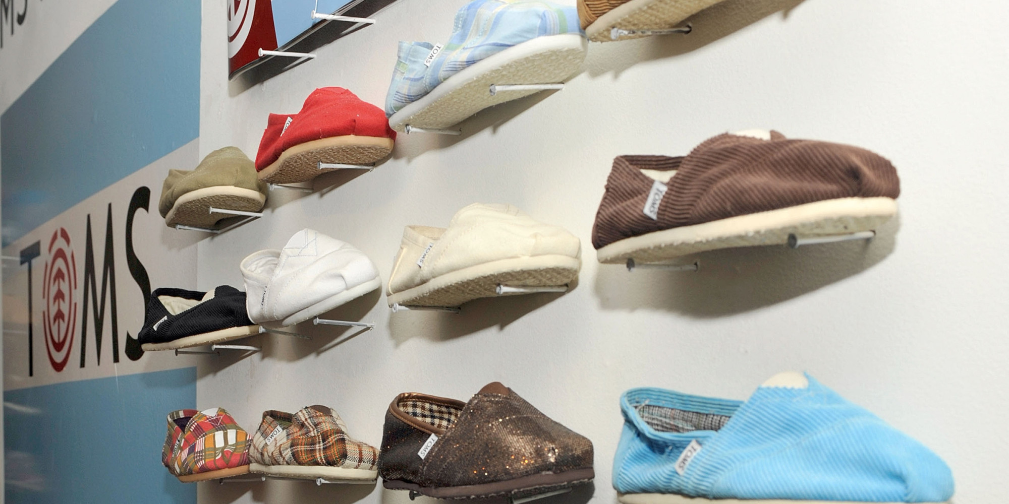 how to clean toms shoes