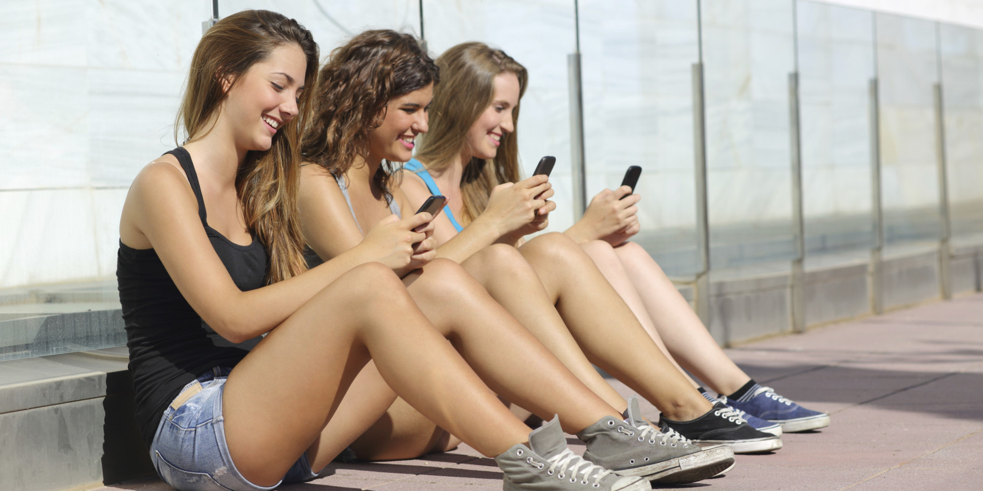 Sur facebook les adolescents et le bronzage