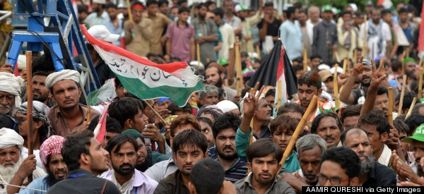 Thousands Of Pakistani Protesters Try To Bring Down Prime Minister