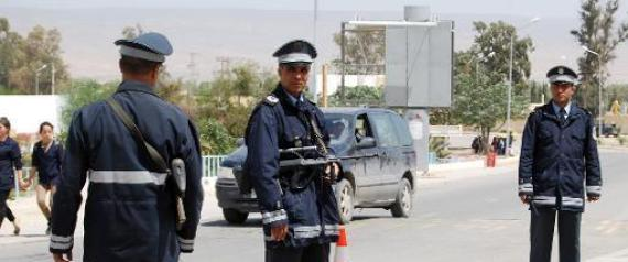 Tunisie un policier gorg le minist re de l 39 int rieur for Interieur ministere tunisie