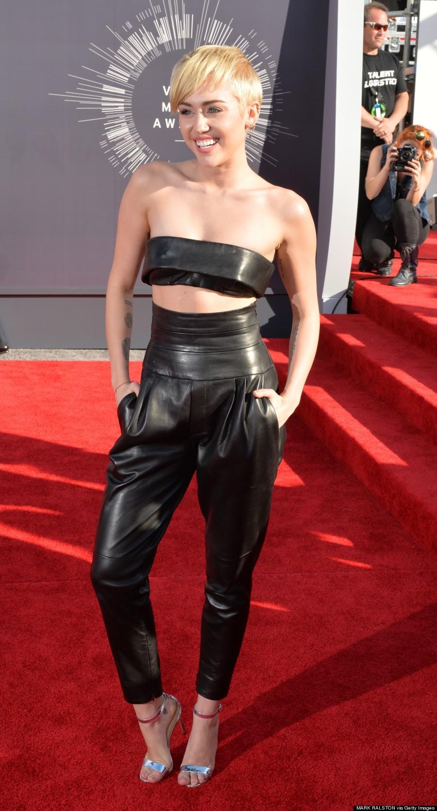 Miley Cyrus Wears Tiniest Top Ever At 2014 Mtv Vmas Photos