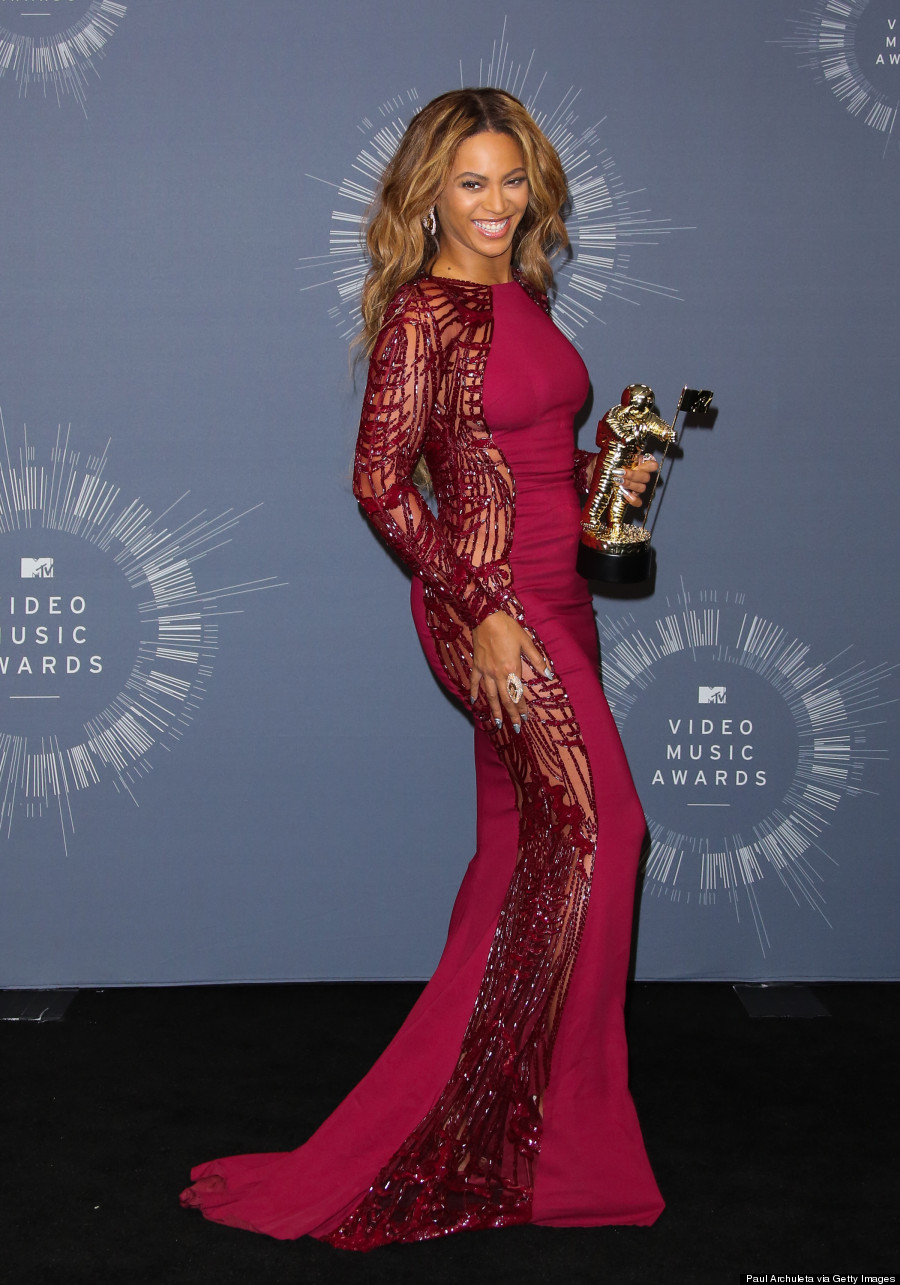 Beyonce&39s VMA 2014 Press Room Dress Is A Showstopper Natch