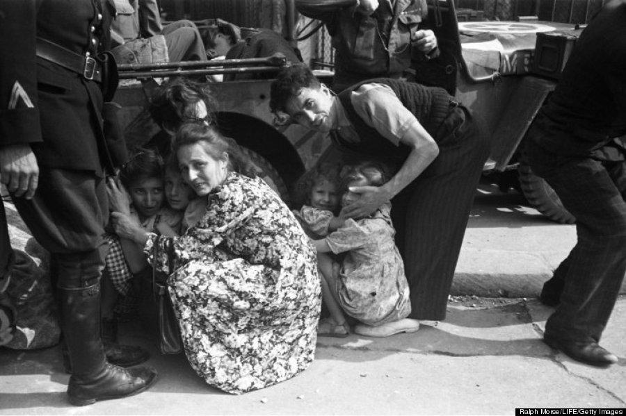 paris liberation family next to jeep