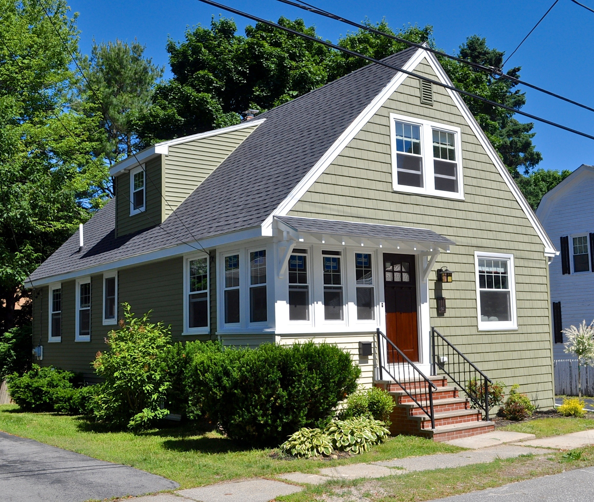 Here 39 s what hgtv doesn 39 t tell you about home renovations for Maine cottage house plans