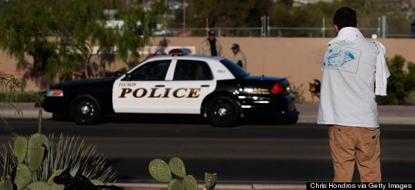 ¿CUÁNTOS HISPANOS<BR>CONFÍAN EN LA POLICÍA?