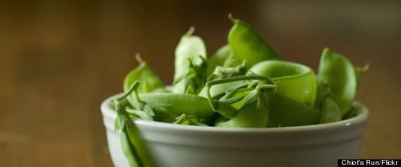 peas growing