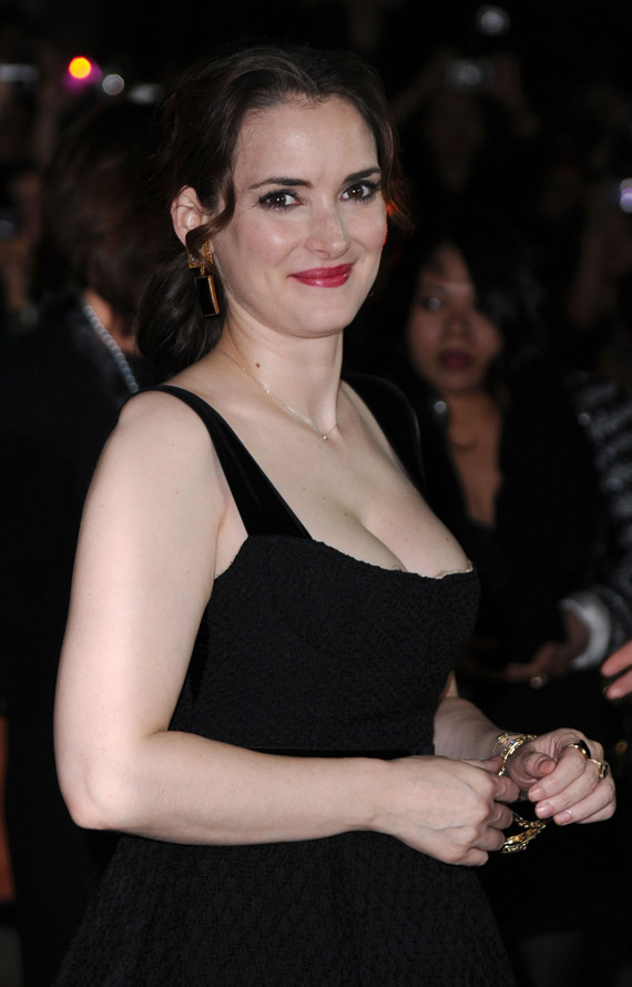 Natalie Portman Amp Winona Ryder At Black Swan Premiere Photos Huffpost