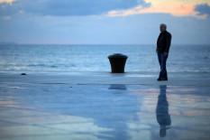 Mann am Meer   Bild: PA