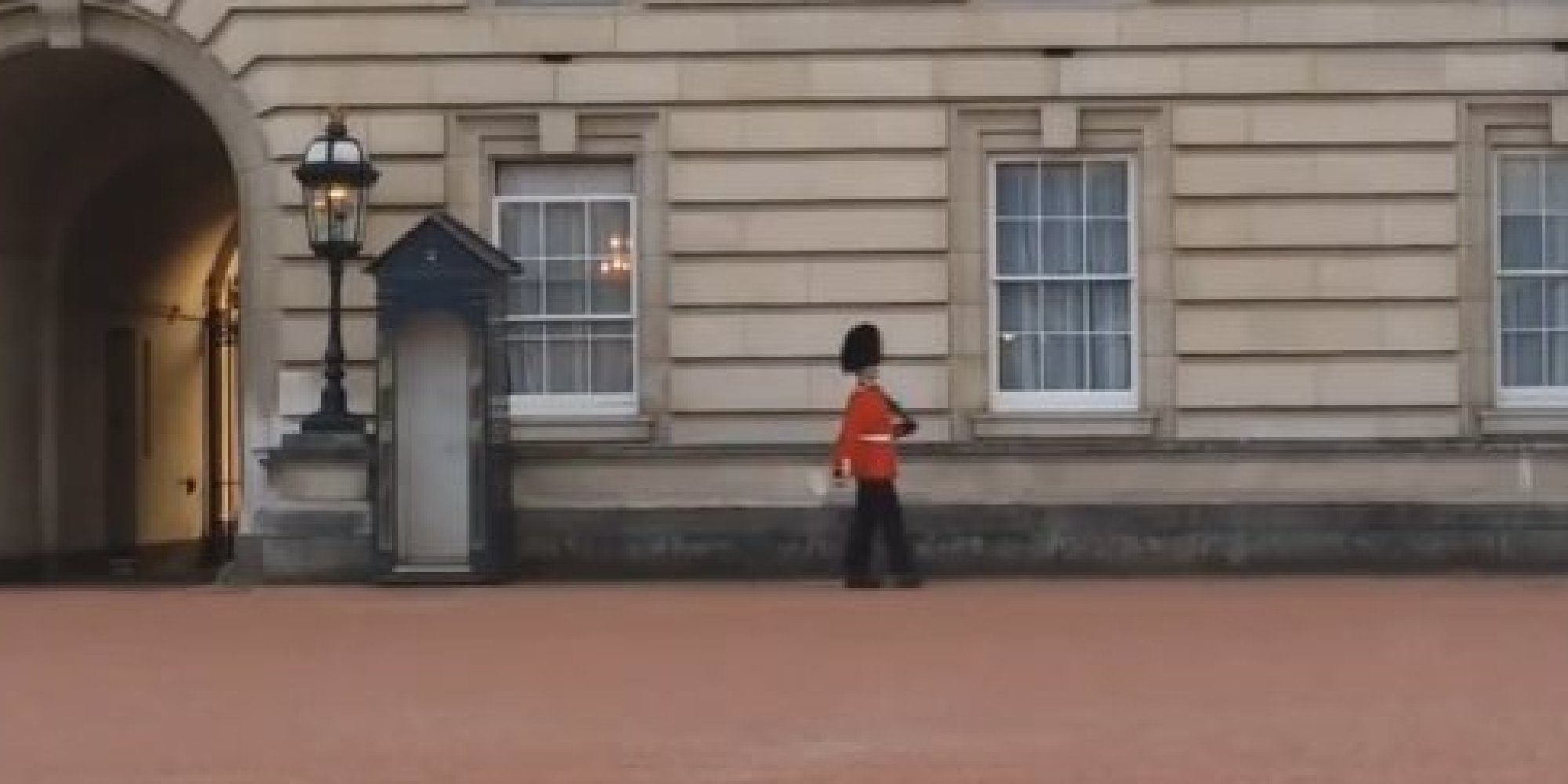 Buckingham Palace Guard Is Caught On Camera Doing Some ...