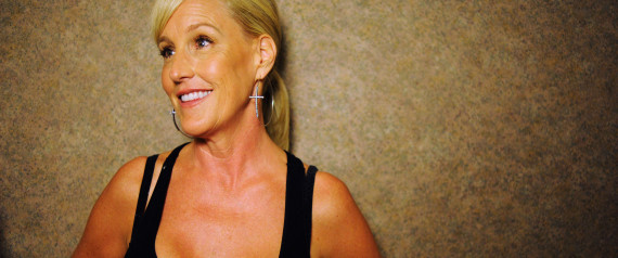 Erin brockovich movie review essay