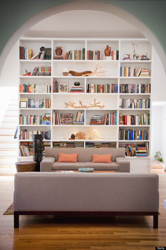 How to decorate a room without putting everything in front for Post modern bookshelf