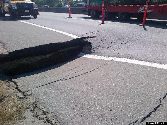 highway 99 sinkhole