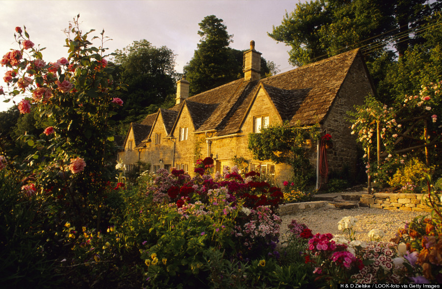 This Is The Quaintest Village In England And It 39 S Truly Perfect Huffpost