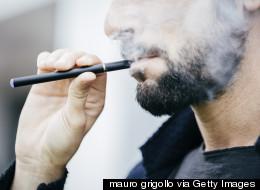 Ottawa va réglementer l'usage des cigarettes électroniques