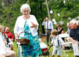 94-Year-Old Grandma Is Just About The Best Flower Girl Around