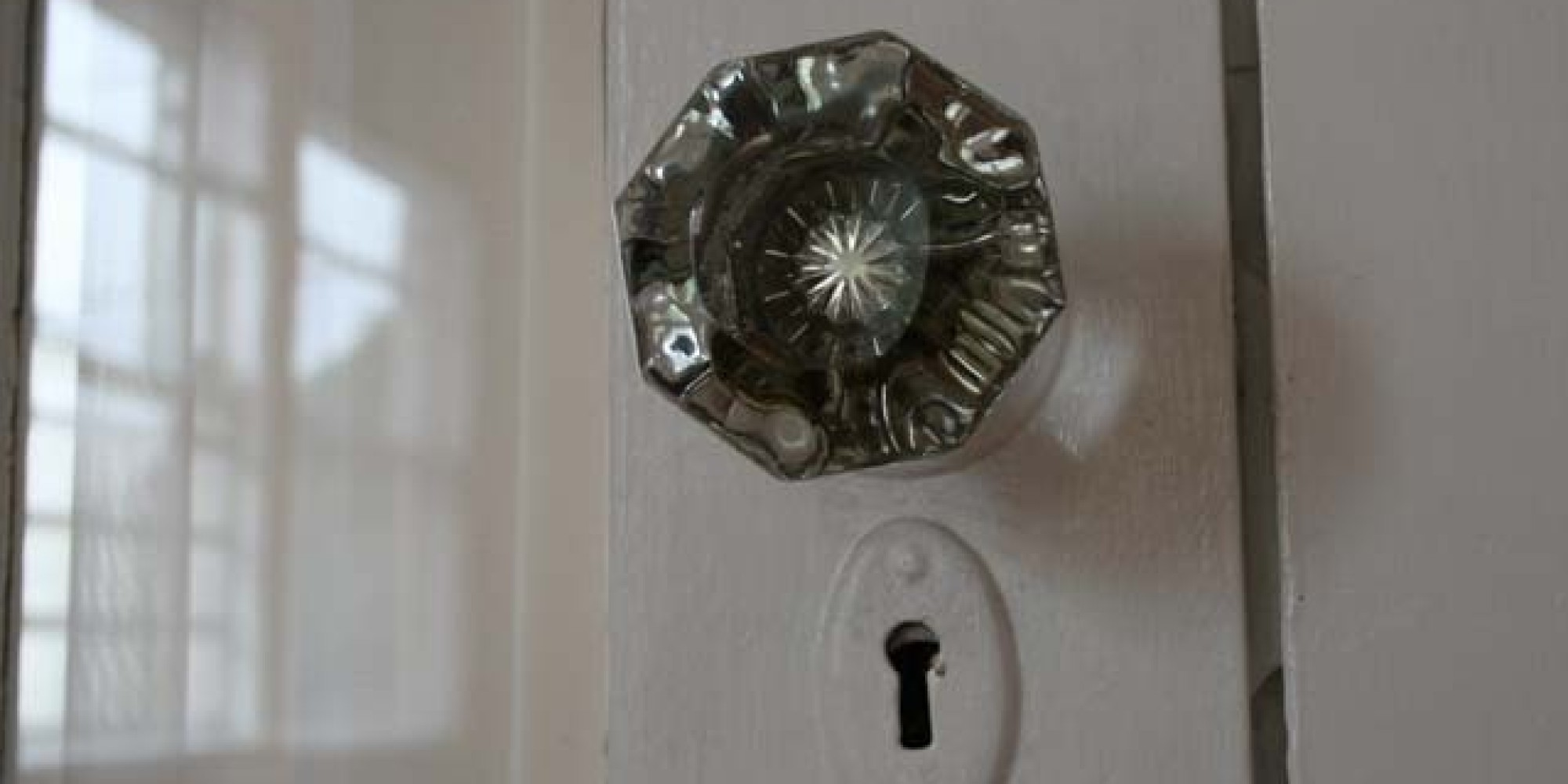 7 best websites for finding really cool knobs pulls and