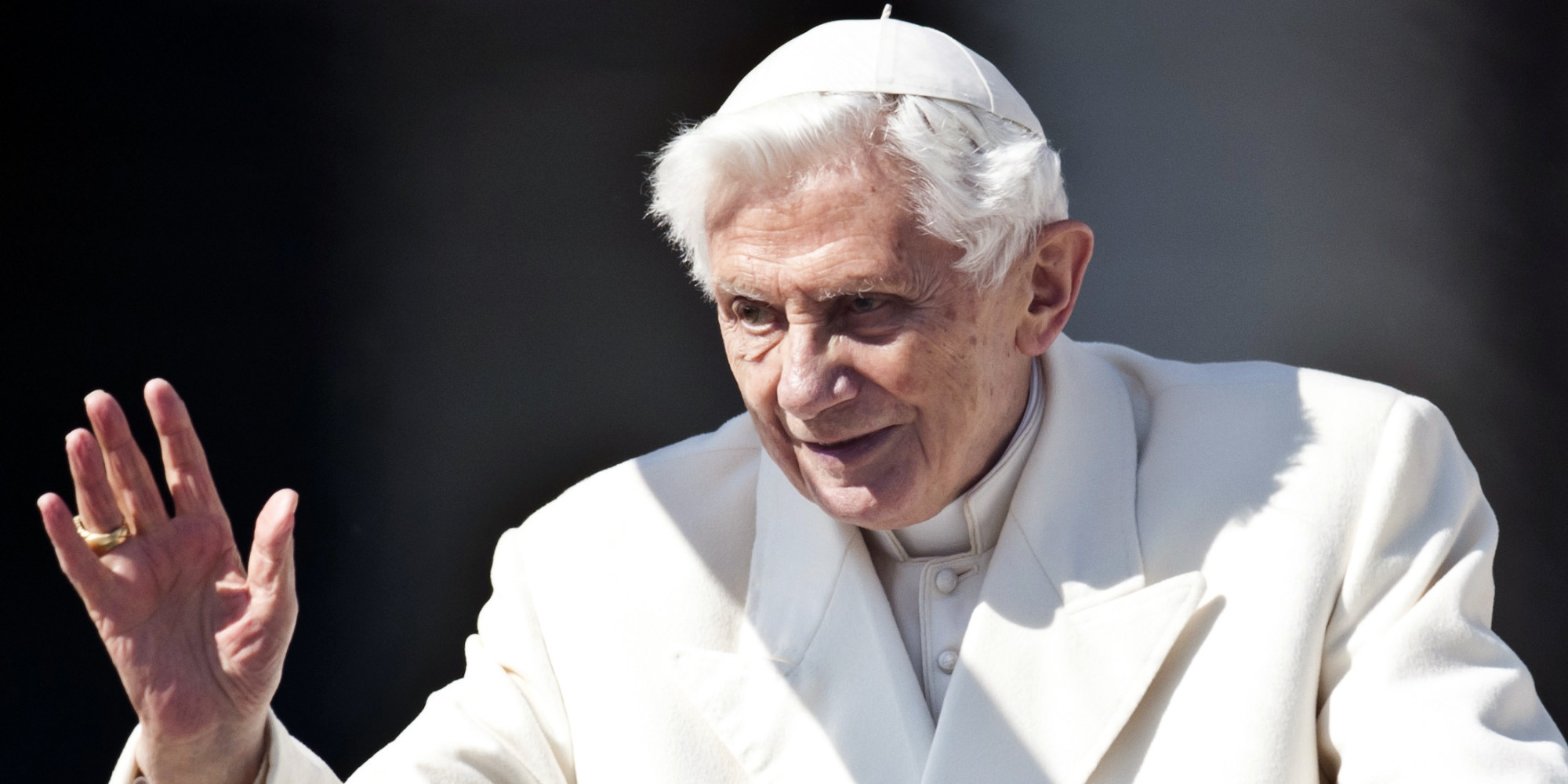 Report: Benedict defends 'emeritus pope' title to critic