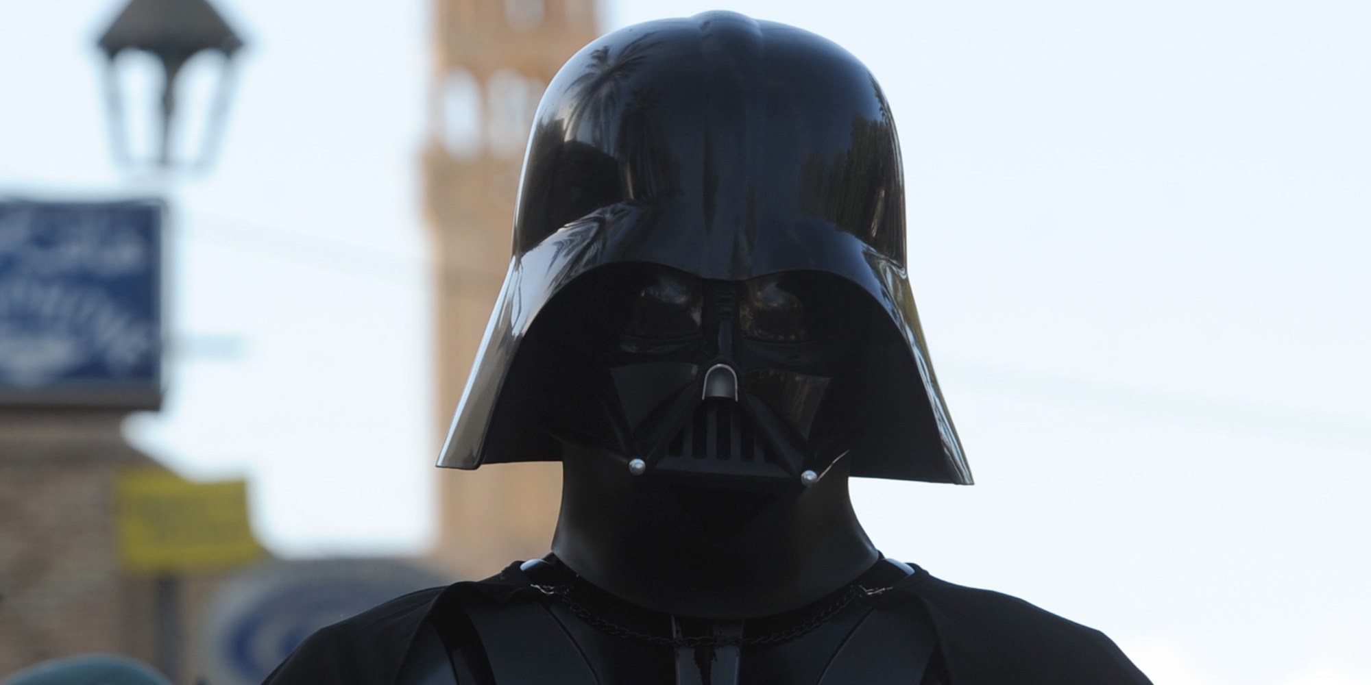 vader muslim A scout master in the united kingdom was expelled recently from his organization after comparing a fully-veiled muslim leader to masked star wars villain darth vader.