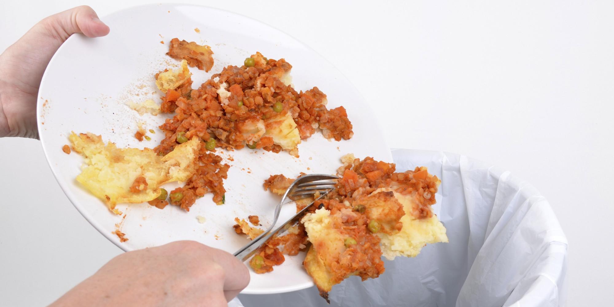 marnowanie jedzenia, despilfarro alimentario, apto para el consumo humano, wyrzucanie resztek, wyrzucanie jedzenia, czy wyrzucanie kości to marnowanie jedzenia, czy wyrzucanie skórek warzyw to marnowanie jedzenia