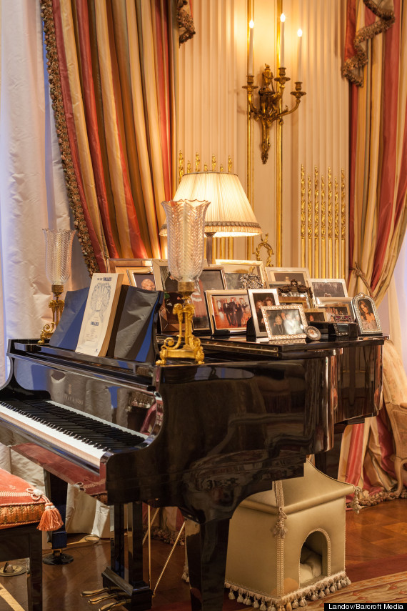 Take A Look Inside Joan Rivers Luxury New York Apartment