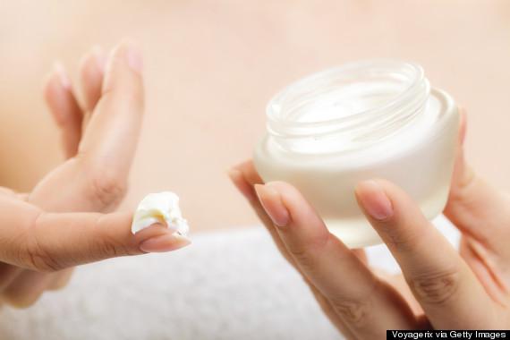 apply skin moisturizer