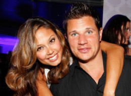 Vanessa Minnillo Nick Lachey Showers