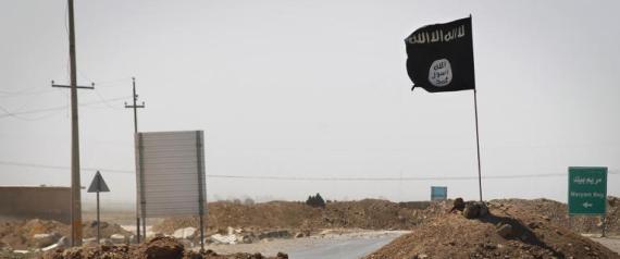 irak l 39 etat islamique daech s me la terreur et fascine les jihadistes. Black Bedroom Furniture Sets. Home Design Ideas
