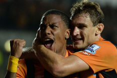 Hull City's Abel Hernandez (left) celebrates with Nikica Jelavic | Pic: PA