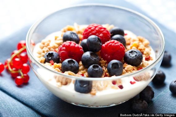 yoghurt and berries